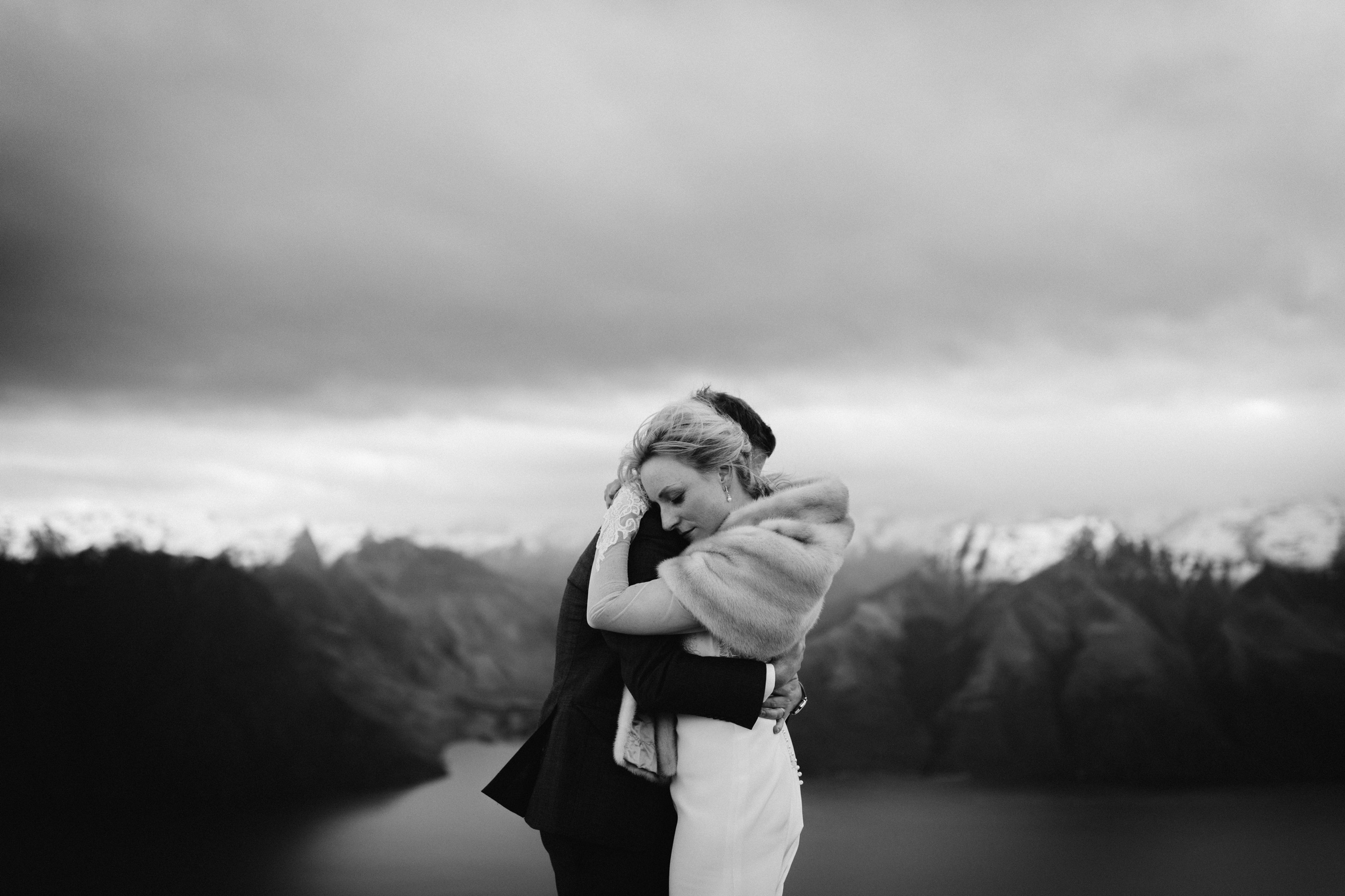 Winter Queenstown heli wedding